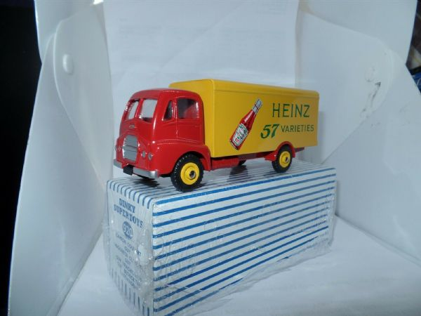 Atlas French Dinky 920 Heinz Guy Warrior Van BRAND NEW.